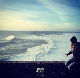Surfistas brasileiros voltam à Nazaré para tentar bater record de MacNamara  Ler mais: http://visao.sapo.pt/surfistas-brasileiros-voltam-a-nazare-para-tentar-bater-record-de-macnamara=f833071#ixzz3oGMmZ8VM