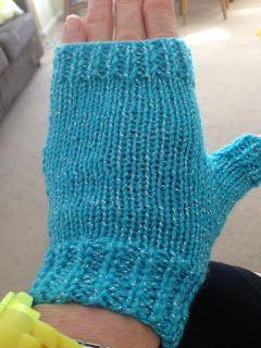 Mariannas Lazy Daisy Days Easy Fingerless Mitts With Thumbs