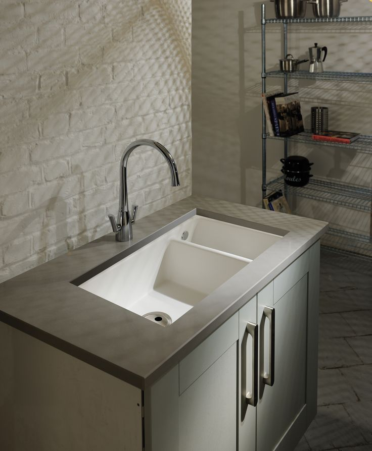 The Matrix GR10 1.5 Bowl sink offers a unique flexibility. It can be under-mounted with the tap deck exposed, covered or fully inset into the worktop from above. Matrix GR10 sinks are manufactured from advanced acrylic materials. The bright white granite offers a tough durable and easy clean finish that will coordinate perfectly with and kitchen decor.