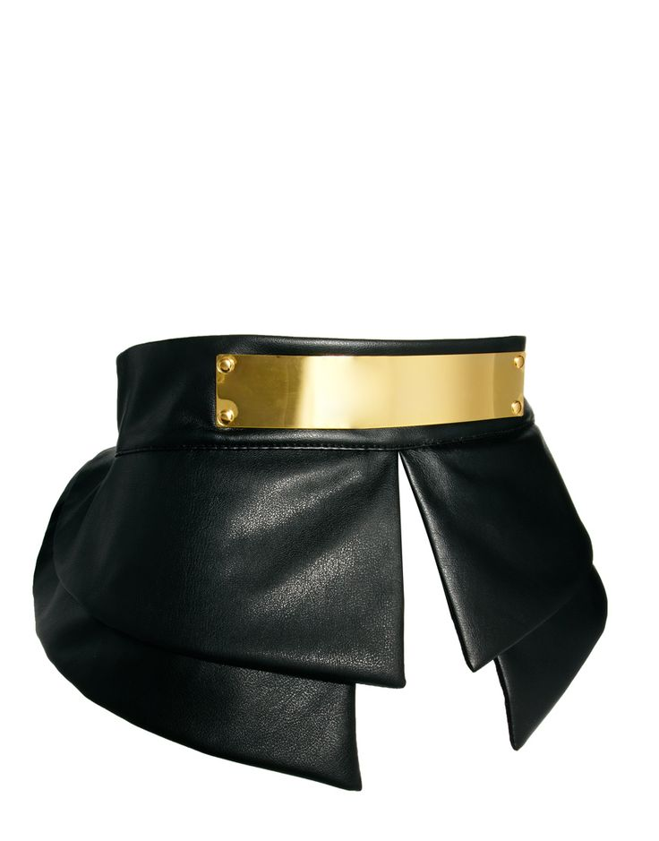 Turn any dress into a peplum dress (with a very on-trend gold belt accent) with this waste belt