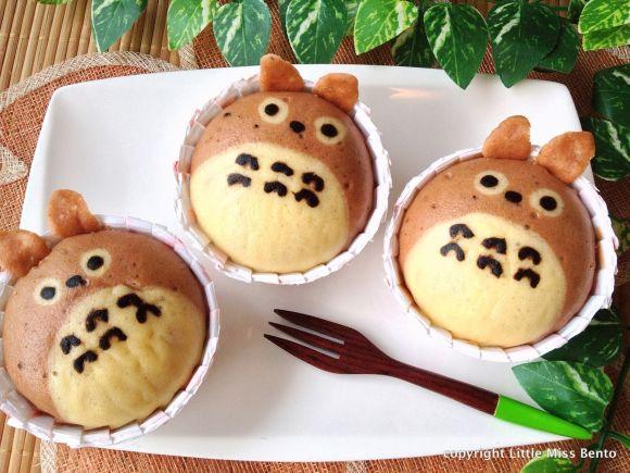 【海外からのお弁当便り】お昼までフタを開けるのは我慢だよ!! 激カワ「トトロの蒸しパン弁当」♪