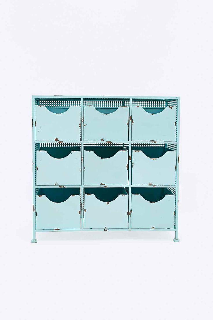 petit meuble en m tal bleu clair babyblue trends. Black Bedroom Furniture Sets. Home Design Ideas