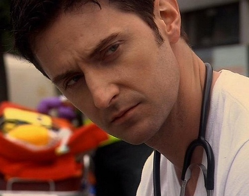 He looks good as a doctor! Richard Armitage as Dr. Aleck Track (montyponygirl/Flickr)