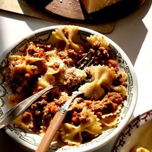 Classic Ragu alla Bolognese (as determined by the Bolognese Chapter of the Accademia Italiana della Cucina)