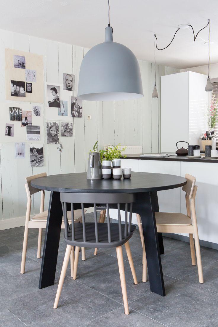 25 beste idee n over ronde boerderij tafel op pinterest ronde keukentafels ronde tafels en - Grote ronde houten tafel ...