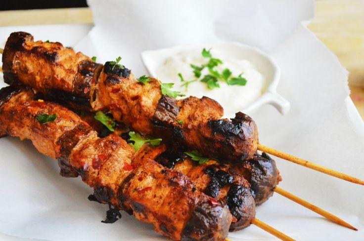 Cucina libanese: shish taouk, spiedini di pollo in marinata allo yogurt