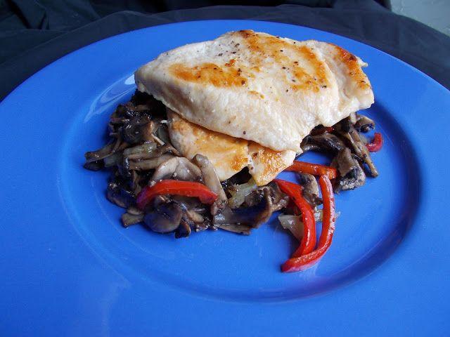 LA VERA  IN BUCATARIE: Piept de pui cu ciupercute sotate
