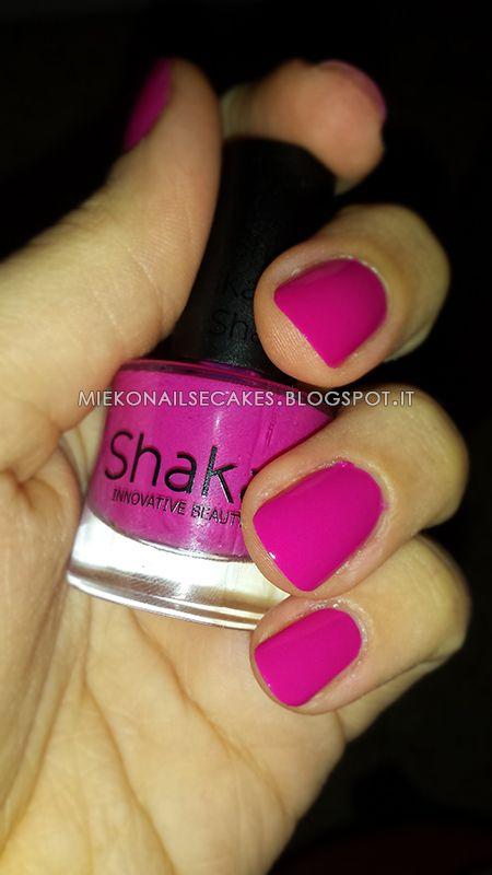 http://miekonailsecakes.blogspot.it/2014/07/color-day-shaka-515-pink.html