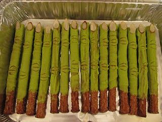 Halloween! Dip the pretzel rods in white  chocolate dyed green and add a sliced almond fingernail. Use a toothpick to add the knuckles. MONSTER FINGERS.: Pretzel Rods, Halloween Pretzels, White Chocolates, Slices Almonds, Halloween Food, Halloween Treats, Witches Finger, Pretzels Rods, Halloween Party