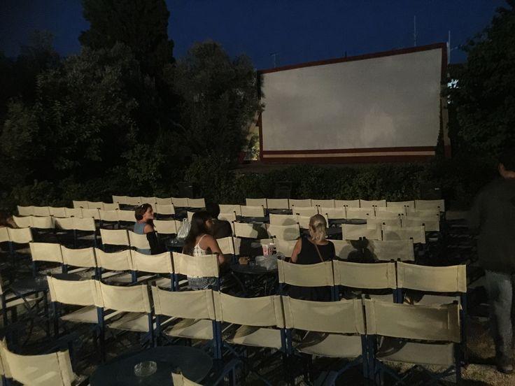 Kreta Rethymnon - cinema Asteria openlucht bioscoop. Onder een prachtige sterrenhemel genoten van de film. €7 pp De film start om 21 en 23 uur  Crete