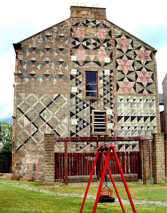 beautiful mural in glasgow.: Quilts Patterns, Houses, Brick, Interiors Design, Murals, Floors Design, Old Building, Barns Quilts, Glasgow Scotland