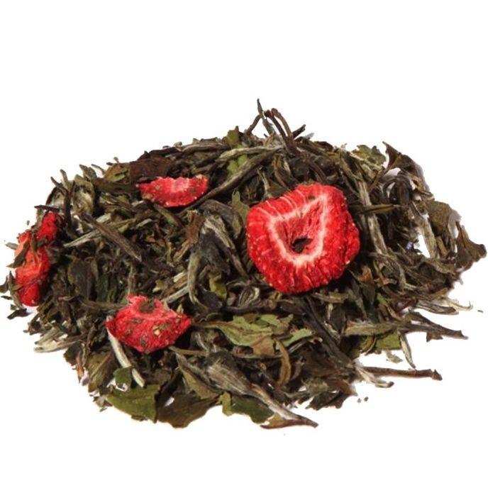 Té blanco con fresas. Deleita el paladar y son muchas las propiedades saludables que aporta al organismo. Un cuidadoso trabajo manual y una gran sabiduría logran que este té tenga un sabor único.