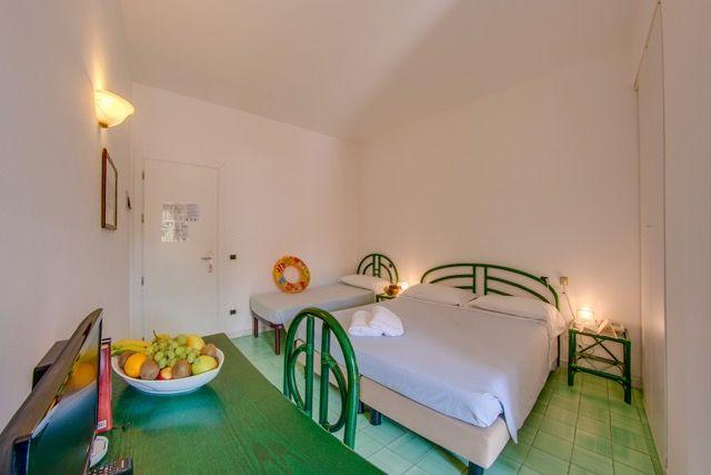 Le camere dell'Hotel Delfino Procchio Isola d'Elba www