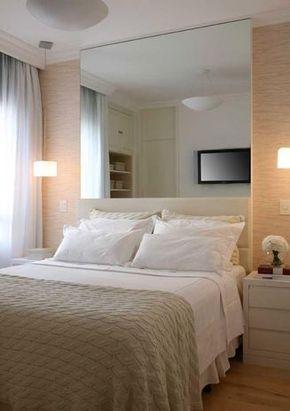 A arquiteta Carla Dichy é autora deste projeto, para um quarto de 9 m². A idéia era criar um ambiente clean e ao mesmo tempo quente e aconchegante. O uso de cores claras e do espelho na cabeceira da cama ampliou o dormitório, deixando-o mais confortável. Informações: (11) 3063-2936 Foto: Marcos Antonio/Divulgação