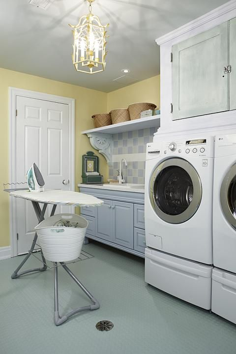 sarah richardson sarah 101 laundry room blue yellow / corbels
