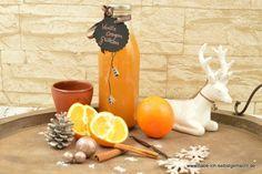 Vanille Orangen Glühwein  Zutaten für etwa 1l Glühwein:  500ml Orangensaft 750ml Weißwein 2 Scheiben Ingwer 2 TL Zimt 1 TL gemahlene Vanille oder 1 Vanilleschote 1 Prise gemahlener Anis 1 Prise gemahlene Nelken 2 EL Zucker (oder je nach Geschmack auch mehr) 1 l Milchflasche