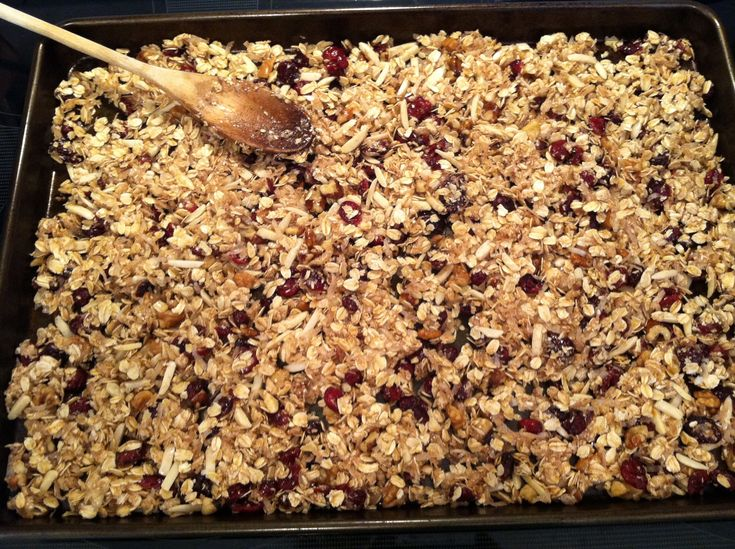 A simple #recipe for Homemade Granola with almonds, walnuts, coconut, cherries, cranberries, honey and cinnamon.