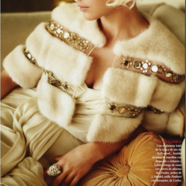 Elegant, glamorous and awesome jacket!