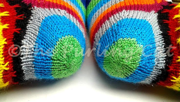 Do you also have the sock knitting bug? I do, and I always look for different and unusual techniques. Recently I also fell in love withself striping socks. The thing is, the toe and heel options f...