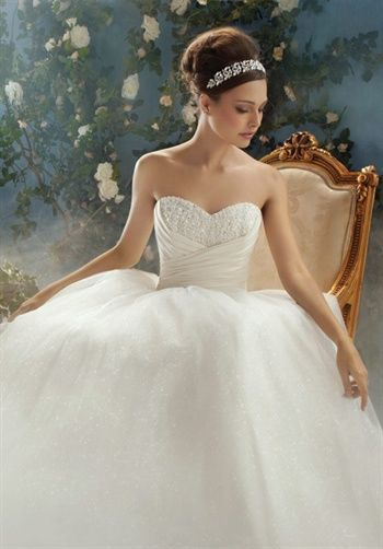 Disney Fairy Tale Weddings by Alfred Angelo - 205 This one is like Cinderella :)