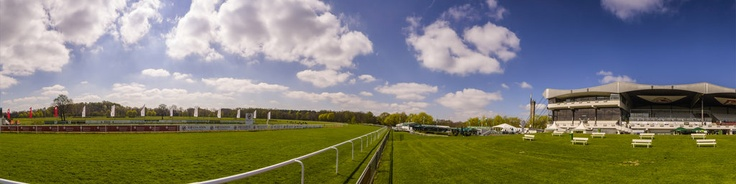 """360 degrees panorama view of the Hannover 96 horse race day at the race track Neue Bult , LangenhagenCopyright@photo-panorama-stamm.com""""Der Stamm kann 360 Grad / Stamm does 360 degrees"""""""