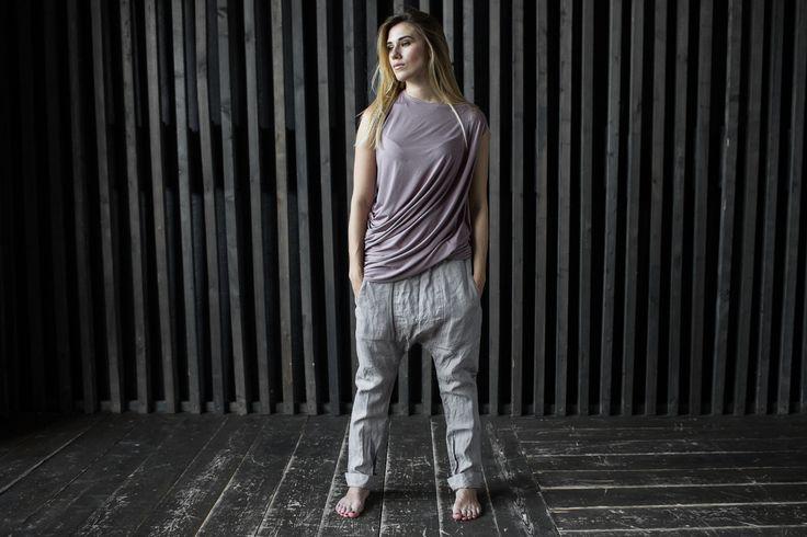 льняные брюки серо-розовые