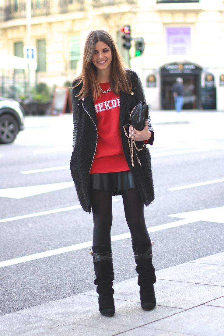 trendy_taste-look-outfit-street_style-blogger-fashion_spain-moda_españa-red_sweater-sudadera_roja-givenchy-leather_skirt-falda_cuero-baseball_jumper-beisbol-choies-mekdes-zara-madrid-polaroid-10