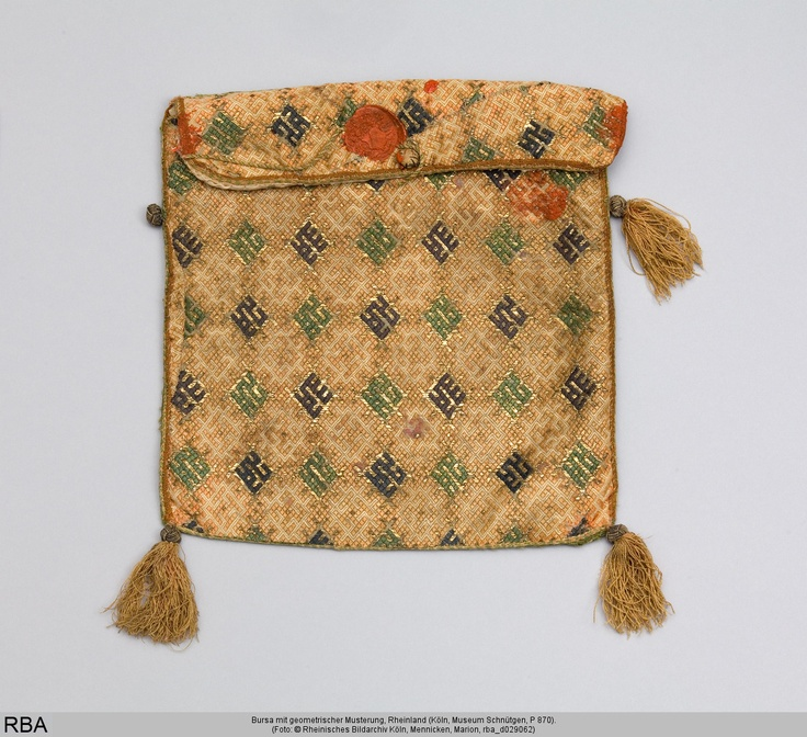 Relic bag with embroidered geometric patterns, Rhineland, 14-15th centuries. Woven and embroidered, in linen, silk & gold thread. At Museum Schnütgen, Cologne. Online: http://www.kulturelles-erbe-koeln.de/documents/obj/05110003