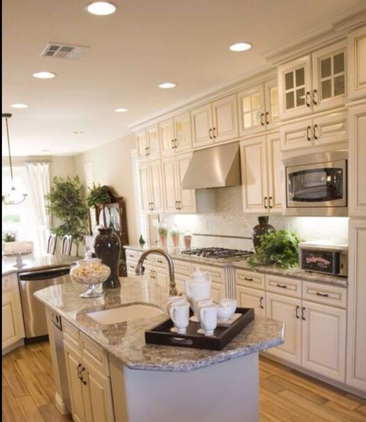 White Country Kitchen B Q: Best 25+ Tall Kitchen Cabinets Ideas On Pinterest