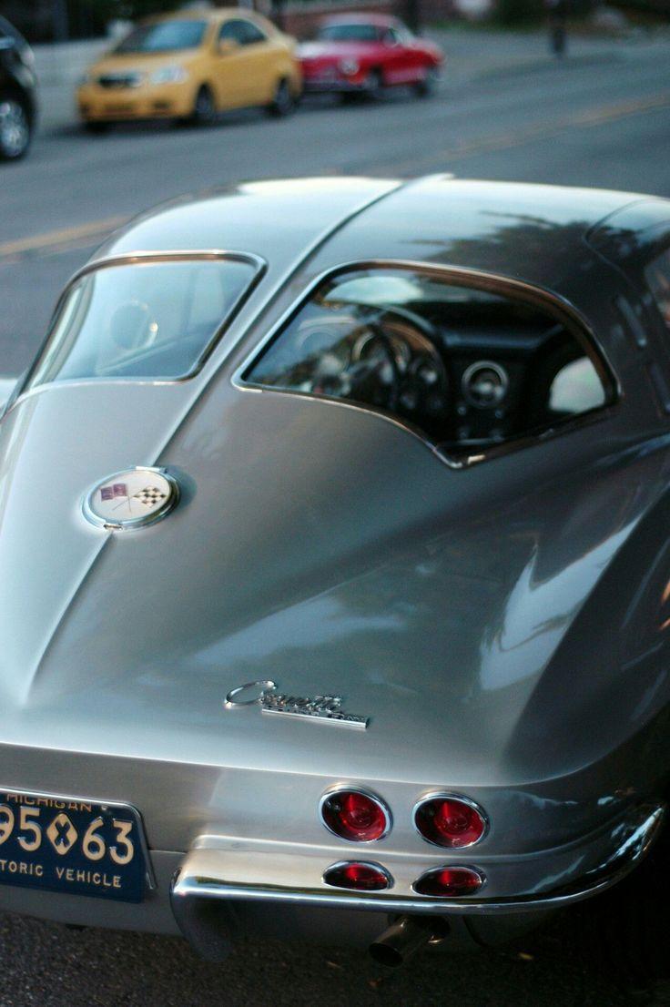 Best 25+ Classic car garage ideas on Pinterest | Classic car ...