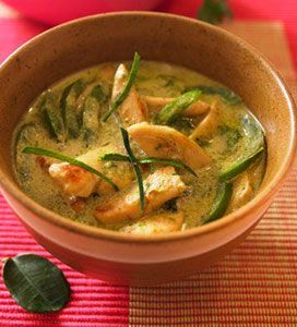 Green Curry with chicken and Thai eggplant