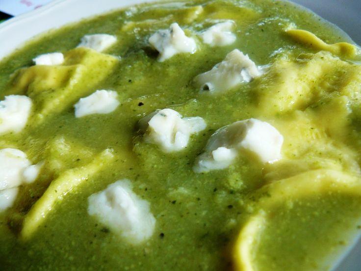 Veggie Variation - Vegetarische recepten en inspiratie vol variatie!: Broccoli-courgette maaltijdsoep