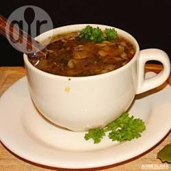 Foto recept: Siepelsoep oftewel uiensoep van de Kookgekke Lekkerbek