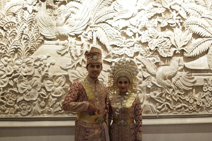 Perpaduan adat Jawa dan Riau ala Sarah dan Dimas - 3982