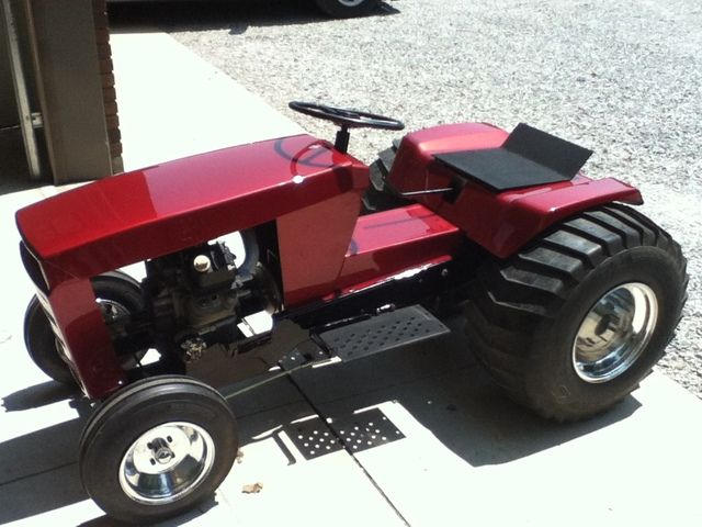 Custom Wheel Horse Pulling Tractor