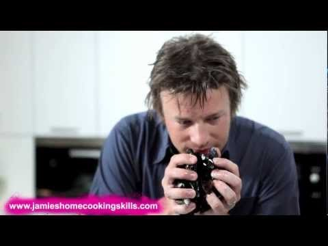 Jamie Oliver's top fish-buying tips - YouTube