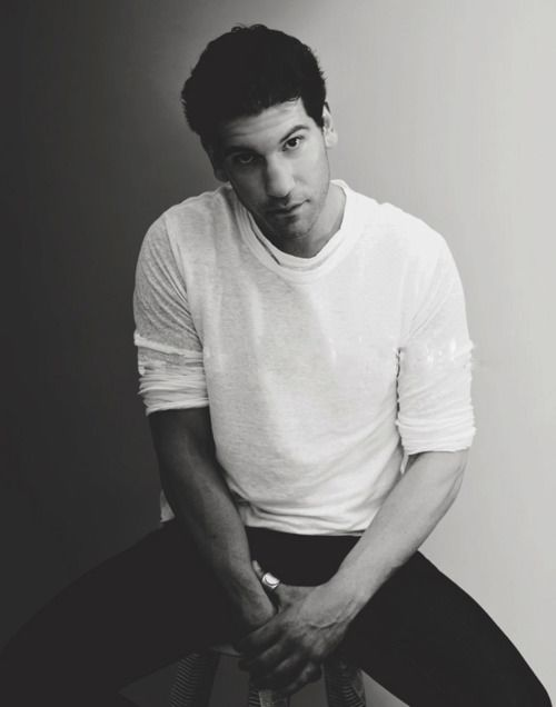 Jon Bernthal - favorite character on TWD (: Even if he is an asshole