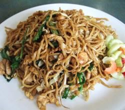 Bami Goreng ~ Indonesian Noodles ~ This is one of my favourite dishes ever! I would eat it at my Dutch/Indonesian Oma's house when we would go to Holland.