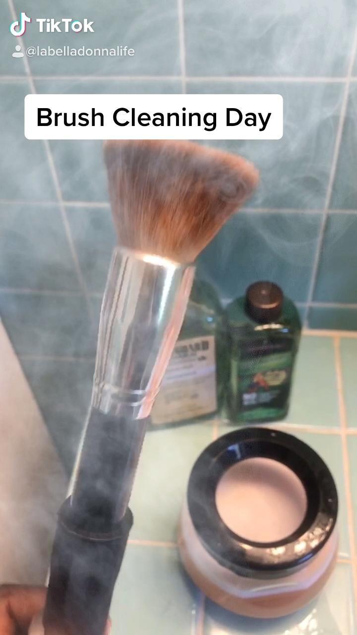 Makeup Brush Cleaner Video Makeup Brush Cleaner Makeup Brushes Natural Makeup