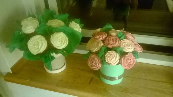 Cupcake bouquet for Mother's day Mors dag cupcake buket :)