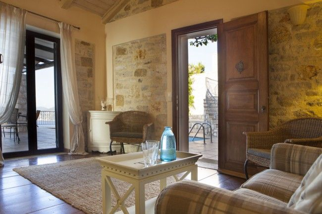 Natural materials such as wood and stone together with comfortable furnishings, create a tranquil, harmonious ambience.