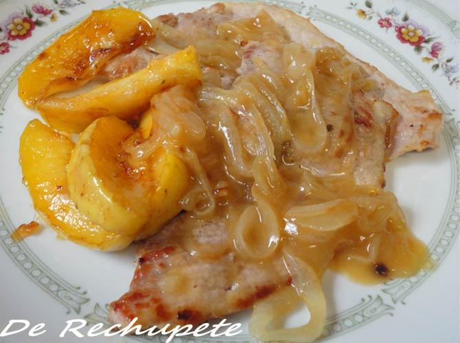Filetes de cerdo con manzanas salteadas