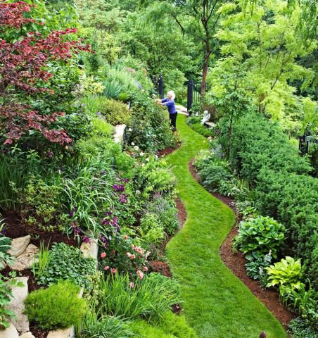 an illinois master gardener shares her tips for taming a difficult landscape - Flower Garden Ideas Illinois