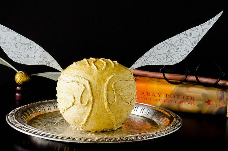 HARRY POTTER INSPIRED RECIPES http://www.buzzfeed.com/laurenpaul/treats-actually-mentioned-in-harry-potter#.vupX6pzQ