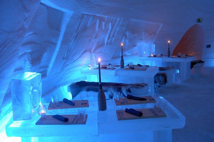 's Avonds geniet u bij kaarslicht van een 3-gangendiner in het exclusieve ICE Restaurant #finland