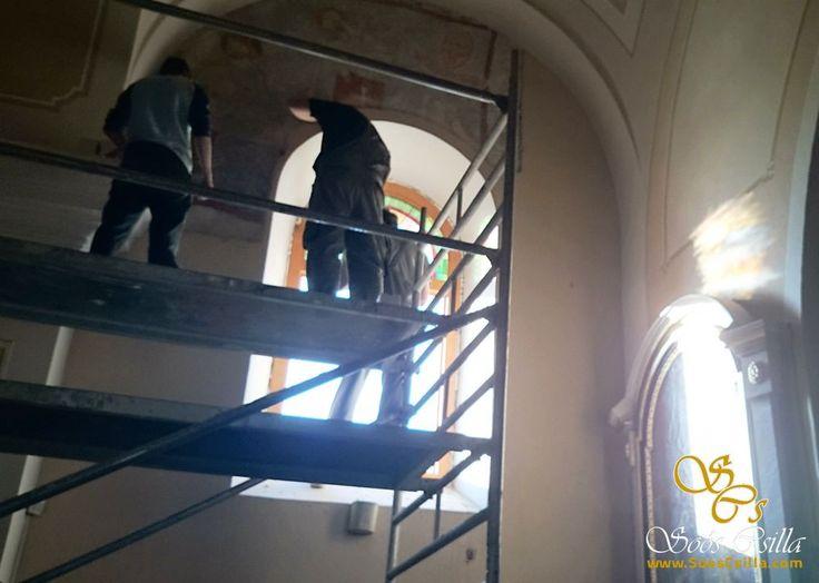 Mihályfai Templom Színes Ólomüveg Ablak Készítés http://hu.sooscsilla.com/egyhazi-vallasi-templom-olomuveg/ http://hu.sooscsilla.com/portfolio/szentmihalyfa-templom-szines-olomuveg-ablak-keszites/