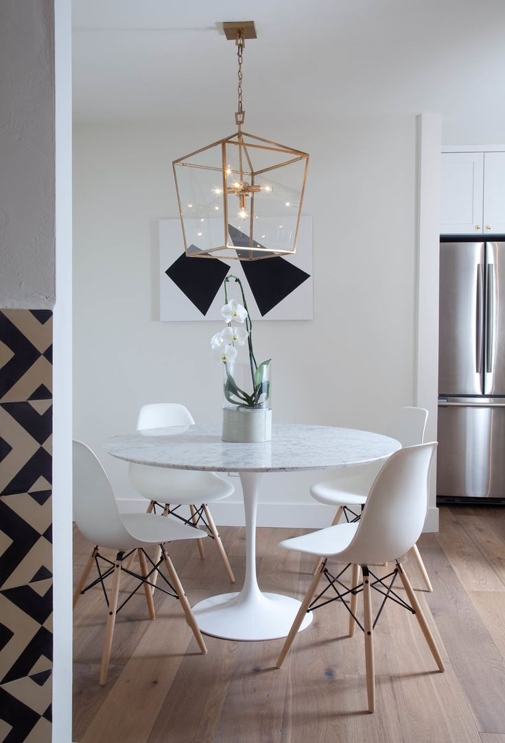 Eiffel Chairs and a Saarinen Table make dinners taste better. Always. @studiomatsalla you are so chic! xoxo