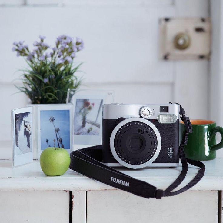 Fuji Instax Mini 90 Sofortbildkamera mit Film