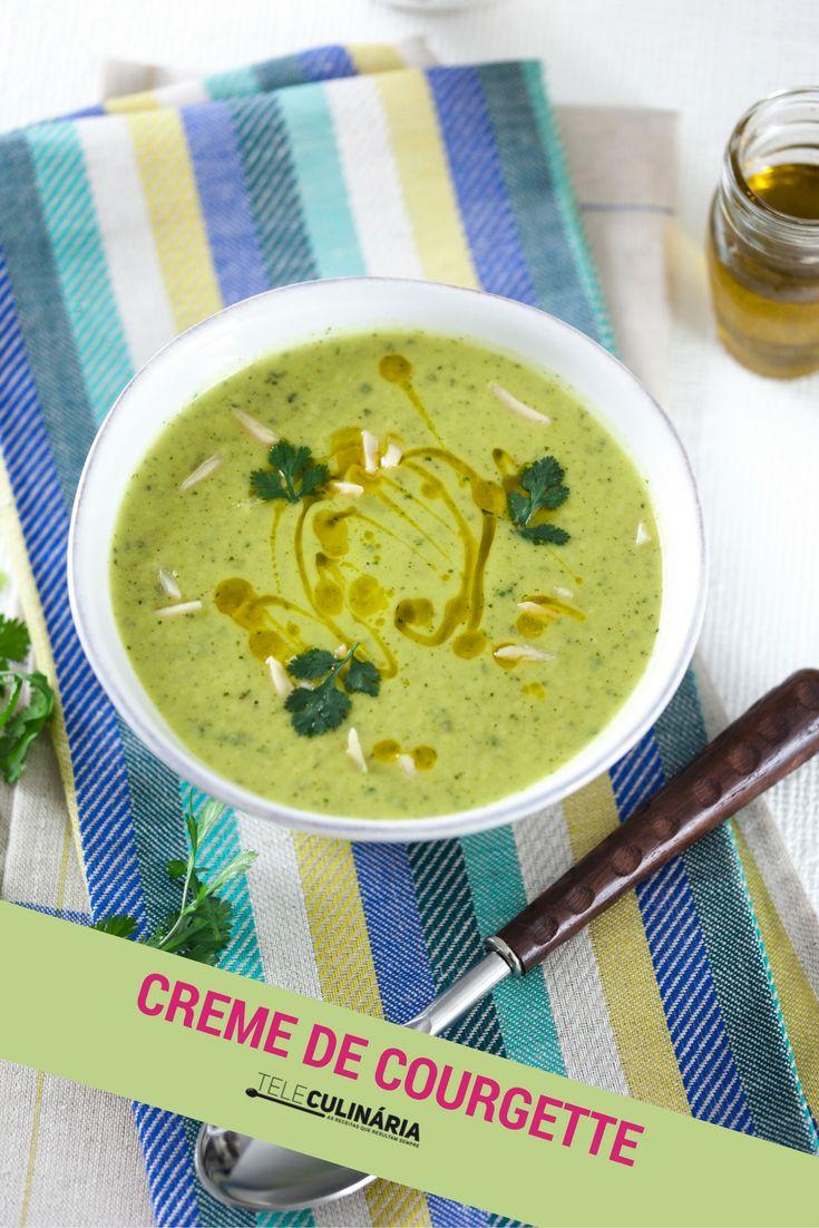 A courgette fica ótima na sopa! Experimente este creme de courgette e tenha uma refeição divinal ♥ veja como se prepara em http://www.teleculinaria.pt/receitas/creme-courgette-coentros/ #teleculinaria #teleculinária #receitas #sopas #creme #courgette #ideiasparajantar #almoço #jantar #recipes #food #soup #dinner #lunch