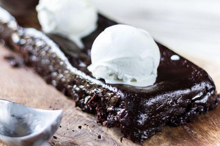 Συνταγή από τον Άκη για την πιο εύκολη και γρήγορη σοκολατόπιτα!